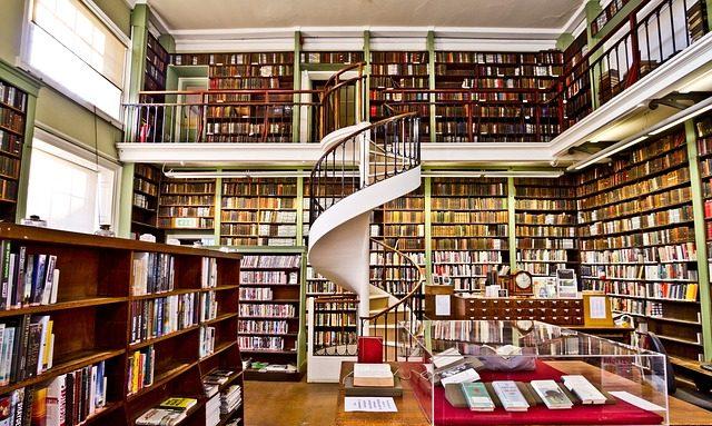 books-2602030_640.jpg